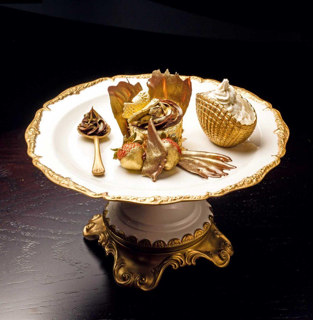 gold cupcake