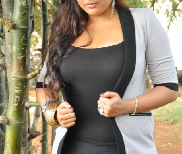 Namitha Photos Pictures