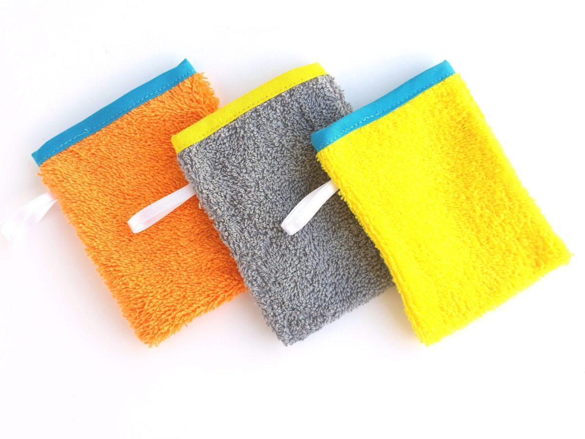 Montessori cleaning mitts