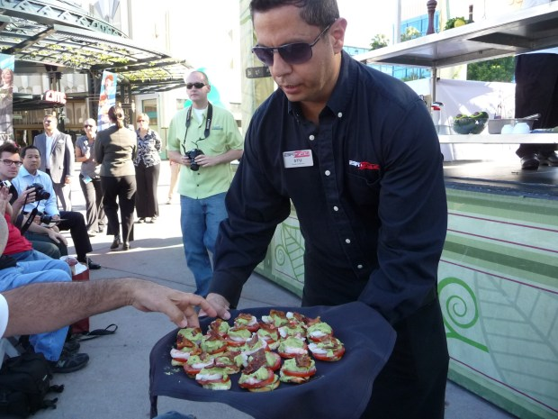 Free Samples at California Avocado Week