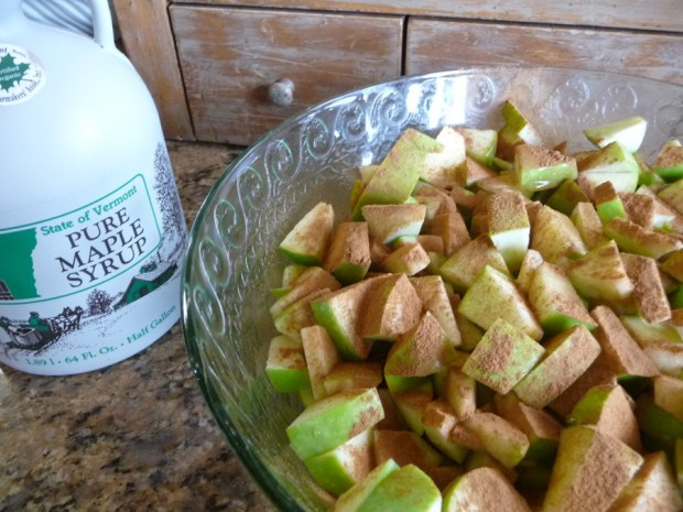 apples with maple syrup and cinnamon
