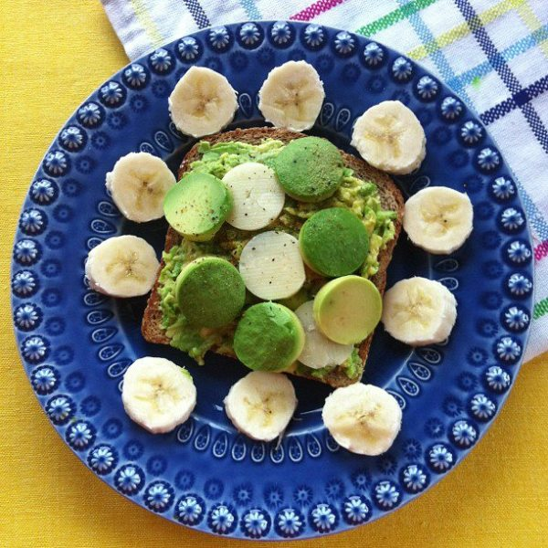 avocado-cheddar-with-nana-toast