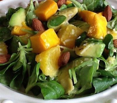 machee salad with avocado