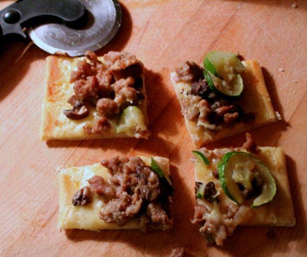 sausage-flatbread-Skellig-squares