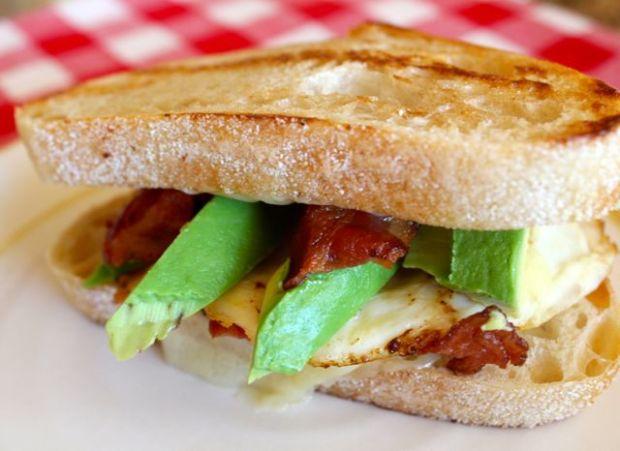 avo-bacon-egg-cheddar-sandwich