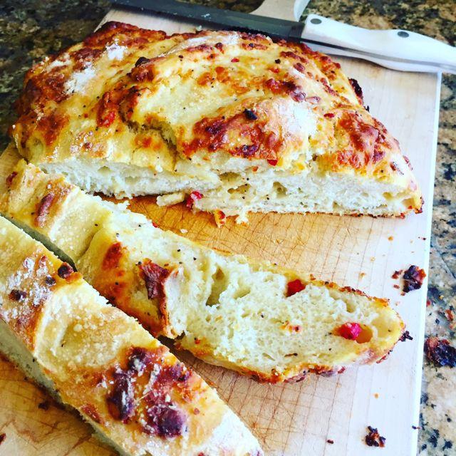 Pimento Cheesy Bread