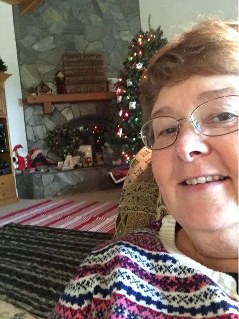 Mimi Avocado Christmas
