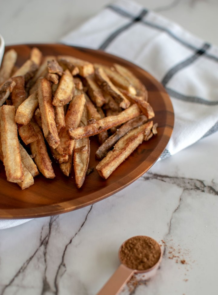 Homemade baked french fries, Chinse five spice french fries, garlic french fries, baked french fries #frenchfries #fries #potatoes #chinesefivespice