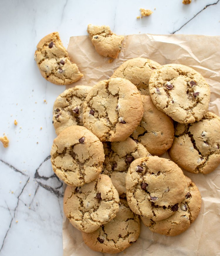 Best chocolate chip cookies, malted chocolate chip cookies, malted milk powder, chocolate chip cookies, organic chocolate chip cookies, high altitude chocolate chip cookies #chocolatechip #chocolatechip #cookies #highaltitudebaking #maltedmilk