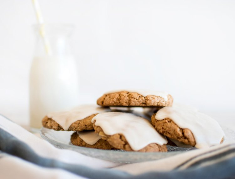 Soft frosted oatmeal cookie recipe. This easy and delicious soft frosted oatmeal cookie recipe is so good! Delicious soft and chewy oatmeal cookies are perfect for any celebration. These old fashioned frosted oatmeal cookies will be a recipe everyone loves! The best old fashioned frosted oatmeal cookies. #cookies #oatmealcookies #frostedoatmealcookies #oldfashioned #oldfashionedcookies