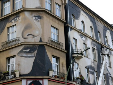 1-Nollendorfplatz, Berlin. Mural by RONE