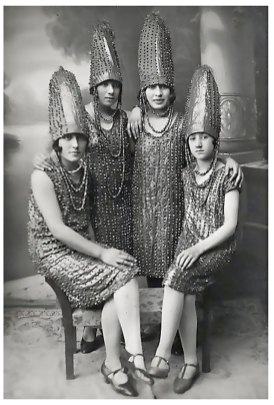 The pickle sisiters, 1920s