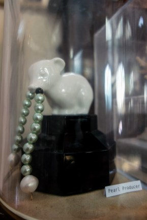 Pearl Producer; an ice bear with pearls for snot by a-MB-iance @ Mimi Berlin, 2014 (1980's pressed glass, 1980'a glazed ceramic, green faux pearls, sweet water pearls)