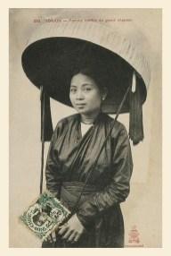 Phụ nữ Bắc bộ với nón quai thao.