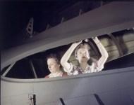 WW0031 - plane girls - America - 1940's /alfred T. Palmer
