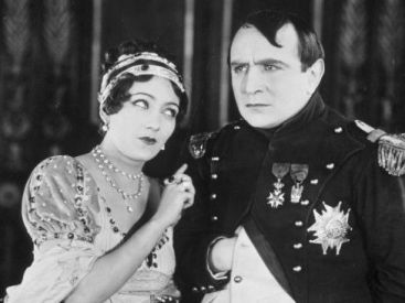 Swanson and Émile Drain (as Napoleon) in Madame Sans-Gêne (1925)