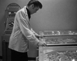 Elvis Presley in a Detroit arcade, 1956