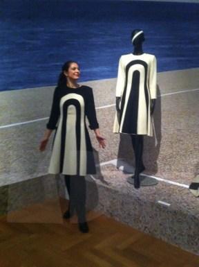 Ms van Rossum in Frans Molenaar; She owns the positive colrcombo!!