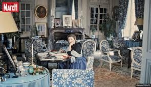 """Louise de Vilmorin in her """"Salon Bleu"""", designed by Henri Samuel. Verrières-le-Buisson, France. Gerard Wurtz, 1969."""
