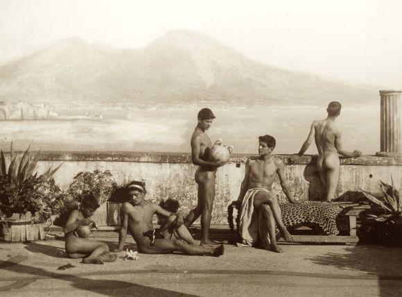 gloeden_wilhelm_von_1856-1931_-_n-_0045_-_terra_del_fuoco