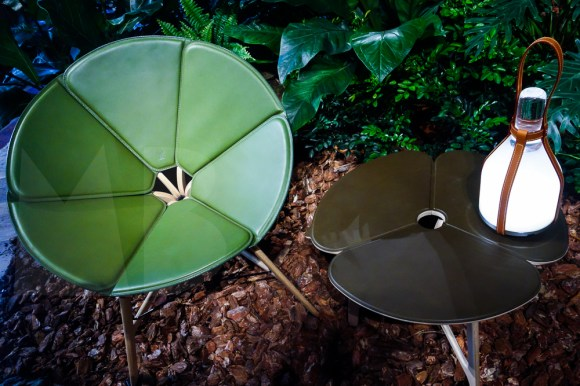 Collection Objets Nomades, Louis Vuitton. Raw Edges, Concertina table and chair