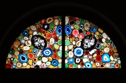 Zurich-Grossmünster-stained-glass-window-by-Sigmar-Polke-Arch-1024x682