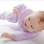 【夜中に窒息しないか心配…汗】赤ちゃんの寝返り初めに注意すること