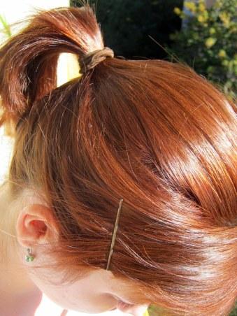 Nafarbila som si z náhleho popudu vlasy a teraz vyzerám jak cig....divne! :D