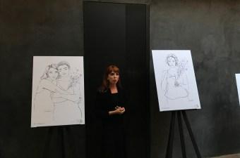 Sara Herranz explicando su obra