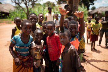 Niños aldea de Merupe - foto enviada por Madre Coraje
