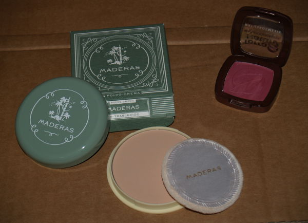 Maderas Myrurgia powders and Terra Naturi Naturkosmetik rouge