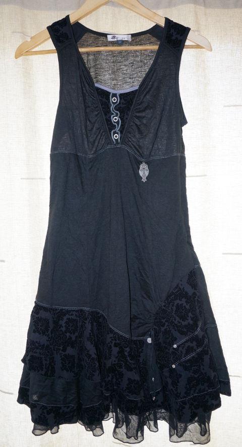 Vestido negro búho de Kiabi