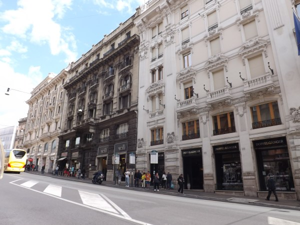 Busy street in Rome