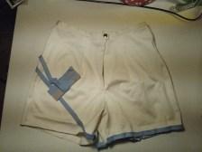 Mina 70-talsshorts från ett gammalt danskt uniformstyg är nu klara.