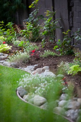landscape edging with river rock