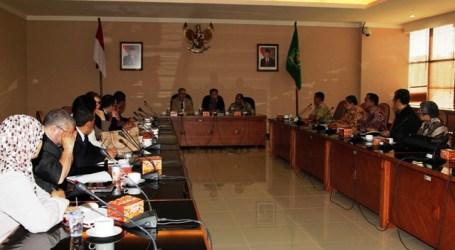 ALJAZAIR STUDI BANDING MANAJEMEN HAJI DAN ZAKAT KE INDONESIA
