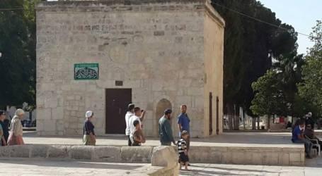 PELAJAR DAN EKSTRIMIS YAHUDI SERBU AL-AQSHA
