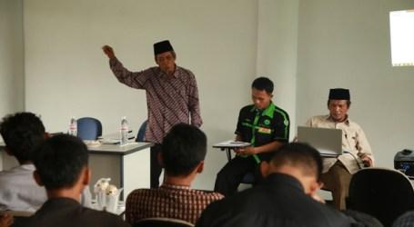 AHMAD HASAN : PENYERU NERAKA JAHANNAM PAKAI PAKAIAN ISLAM