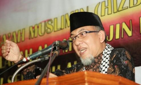 Imaamul Muslimin, KH. Yakhsyallah mansur, MA saat menyampaikan tausiyahnya pada Tabligh Akbar Jama'ah Muslimin (Hizbullah) Wilayah Lampung, di Masjid At-Taqwa Kompleks Ma'had Al-Fatah Al-Muhajirun, Lampung, Ahad, (29/3).Photo : Hadis/MINA.