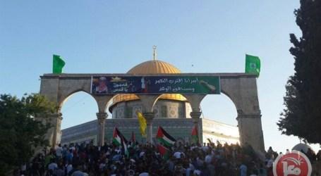 RIBUAN MUSLIM RAYAKAN IDUL FITRI DI AL-AQSHA