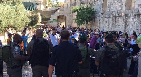 POLISI ISRAEL LARANG SEBAGIAN JAMAAH WANITA MASUKI AL-AQSHA