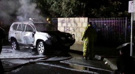 Orang Tak Dikenal Serang Masjid di Australia