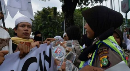 Ribuan Muslimah Distribusikan Logistik dan Layanan Kesehatan Aksi Bela Islam