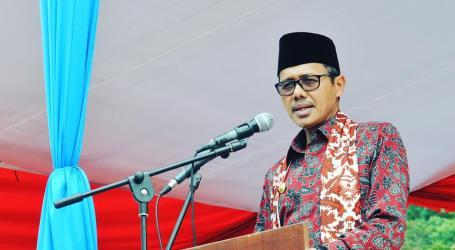 Gubernur Sumbar Himbau Muslim Tidak Gunakan Atribut Agama Lain