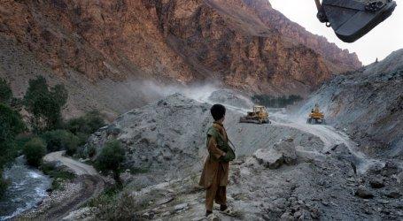 Trump Pertahankan Pasukan di Afghanistan Karena Mineral