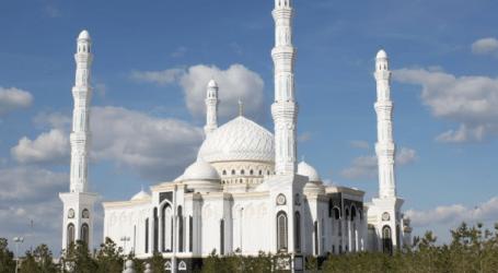 Masjid Terbesar Kedua di Asia Tengah Magnet Kunjungan Wisatawan
