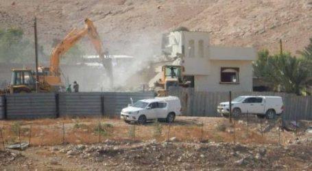 Pasukan Israel Hancurkan Dua Bangunan Warga Palestina