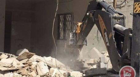 Hindari Denda Tinggi, Pemilik Toko di Yerusalem Hancurkan Sendiri Tokonya