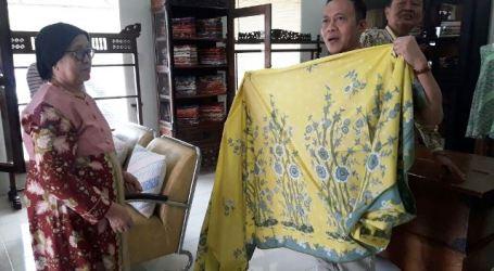 IHW Gelar Edukasi Barang Gunaan Halal kepada Pengrajin Batik Cirebon