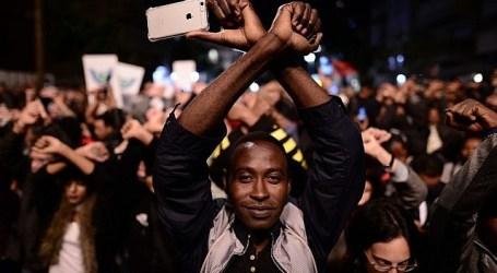 Lebih 20.000 Pencari Suaka Afrika Demo di Tel Aviv Menentang Deportasi